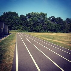 32 degrees celsius (90 fahrenheit) this afternoon. Great time for some 1 mile intervals. 1st Mile: 4:50.68. 2nd Mile 5:20.29. 3rd Mile 5:29.28. #canada #running #runner #life #free #enjoy #hot #summer #sun #stamina #instagood #instarun #nike #lululemon #newbalance #pace #toronto #fitness #athletes #track #training #instarun #instafit #doyourthing #lovewhatyoudo by pbrto #running #ownyourmarks #run