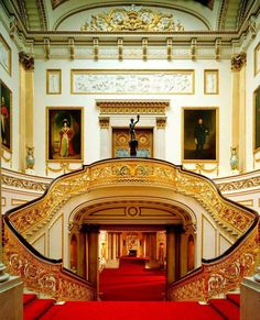 10 Most Surprising Travel Attractions Grand Staircase, Buckingham Palace, by Derry Moore.Grand Staircase, Buckingham Palace, by Derry Moore. Grande Cage D'escalier, Photo Chateau, Buckingham Palace London, Buckingham House, Regal Design, The Royal Collection, Royal Residence, Le Palais, Grand Staircase