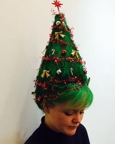Christmas Tree Hair, Christmas Elf, Xmas, Female Santa, Wacky Hair Days, Ladies Lunch, Christmas Trends, Christmas Costumes, Dead Gorgeous