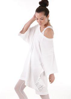 Oversize Shirt white: MM6 Maison Margiela, Paris