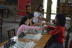 Gêmea de Isabel, Isadora da Silva (de rosa) jogava enquanto sua irmã torcia por ela.