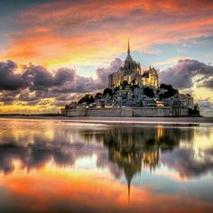Le magnifique Mont Saint-Michel by GustavoCabral on Mont Saint-Michel is situated in the south Normandy France Mont Saint Michel France, Le Mont St Michel, Best Vacation Destinations, Best Vacations, Beautiful Castles, Beautiful Buildings, Places To Travel, Places To See, Wonderful Places