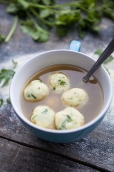 Homemade vegetable broth with parsley semolina dumplings - A winter revival - food - chicken parmesan Health Dinner, Paleo Dinner, Easy Cooking, Cooking Recipes, Homemade Vegetable Broth, Asparagus Dishes, Low Carb Chicken Recipes, Exotic Food, Slow Food