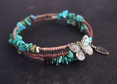bijou boheme - bracelet fil mémoire de forme 2 tours chips turquoise perles marrons papillon plume : Bracelet par cocoflower