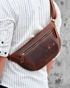 Vintage Brown Leather Men's Fanny Pack Hip Pack Waist Bag For Men Leather Bum Bags, Leather Fanny Pack, Leather Bags Handmade, Leather Men, Brown Leather, Mens Waist Bag, Hip Bag, Cool Messenger Bags, Leather Accessories