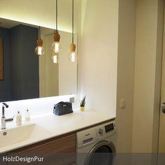 Modernisiertes Bad im skandinavischen Stil mit Ikea Godmorgon Einrichtung, High Macs Platte, hinterleuchtetem Spiegel und den coolen Glühbirnen Leuchten von …