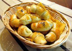Slané plněné rohlíčky Pretzel Bites, Shrimp, Food And Drink, Bread, Cooking, Recipes, Kitchen, Brot, Recipies