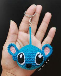Owl Crochet Patterns, Owl Patterns, Cute Crochet, Crochet Crafts, Heart Keyring, Mickey Minnie Mouse, Chrochet, Stuffed Toys Patterns, Crochet Earrings