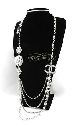 Love this Chanel necklace. Can go with a cute blazer, jeans and a nice pair of pumps and your ready to go.