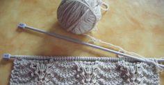 2 novembre 2010 Come avevo programmato, sono riuscita a decidere ed iniziare la sciarpa-coprispalle per me. La lana e' un colore un po' i...