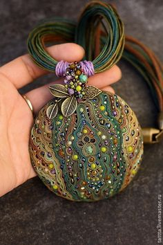 Кулоны, подвески ручной работы. Ярмарка Мастеров - ручная работа. Купить кулон из полимерной глины,бисера и бусин  магия леса. Handmade.