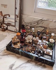 Perfume Storage Ideas and Inspiration For Karen GilbertArmario. Perfume Storage Ideas and Inspiration For Karen Gilbert Perfume Storage, Perfume Organization, Perfume Display, Perfume Tray, Home Organization, Makeup Drawer Organization, Organizing Ideas, Decoration Bedroom, Wall Decor