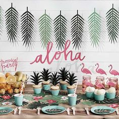 Aloha Party In A Box, Exotic Party Decoration, Garden Party Decor, Summer Party, Last Minute Party Decor Aloha Party, Tiki Party, Festa Party, Luau Party, Hawaiian Theme Party Food, Luau Food, Flamingo Party, Flamingo Birthday, Flamingo Cupcakes