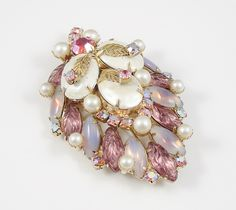 Wowzer!This vintage brooch has it all! $75.00