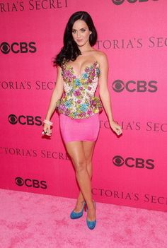 Sexy Katy Perry Pictures-beautiful in pink at the victorias seccrets fashion show walking the red carpet before performing