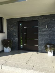 Modern Entrance Door, Home Entrance Decor, Modern Front Door, House Front Door, House Entrance, Classic House Design, Dream Home Design, House Cladding, Facade House