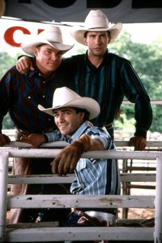 Luke Perry played Lane Frost in 8 seconds. May they both rest in peace. Rodeo Cowboys, Hot Cowboys, Real Cowboys, Cowgirls, Motocross, Cute Country Boys, Rodeo Life, Luke Perry, Into The West