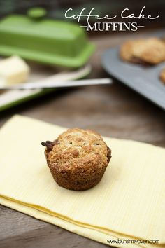 Coffee Cake Muffins #recipe by bunsinmyoven.com