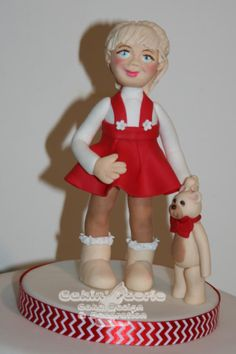 2016 Xmas Girl with a teddy - Cake by Suzanne Readman - Cakin' Faerie