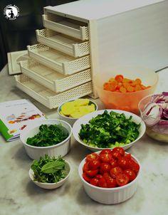 Vi presento l'essiccatore: preparazione dado granulare. Raw Vegan, Ecology, Finger, Homemade, Recipes, Ideas, Food, Vegetarian, Preserve