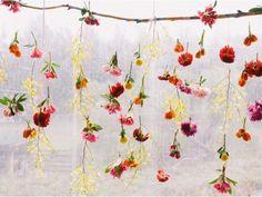 Zauberhafter Blumenvorhang zum Osterfest #TWBM #ostern #easter #flowers #blumen #interior
