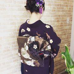 結婚式の訪問着の着付けとヘアセットをさせて頂きました 帯は変わり二重太鼓で華やかな感じに結ばせて頂きました 紫の綺麗なお着物でとてもお似合いでした()