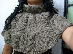 Ponchos y capas tejidas a dos agujas - Imagui
