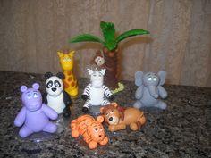 Bichinhos Safari em biscuit. 10,00 a unidade, exceto o macaco no coqueiro, 14,00. Podem ser usados para topo de bolo, decoração de quarto,  em quadros, caixinhas  de mdf, etc... R$10,00