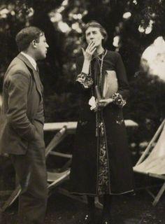 Maurice Bowra & Virginia Woolf during a cigarette break in 1926.
