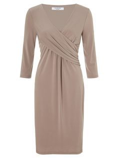 Fashion ideas for women. This dress is a very nice for a business casual look