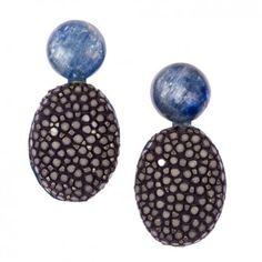 """Diese charmanten Ohrringe """"Lizzy"""" in Navy-Blau von dem Label """"a cuckoo moment"""" sind der Eyecatcher für dein Outfit. Versandkostenfrei bei www.melovely.de"""