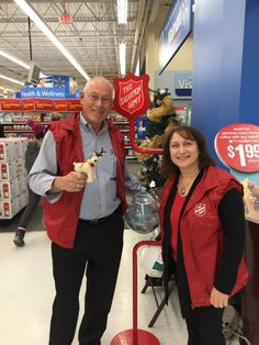 Giving back to our community is very important to our Realtors! A big thank you goes out to JIM Harris-Broker for volunteering and to everyone that donated! December 2014