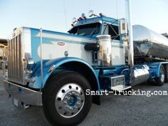 An awesome looking 359 Peterbilt we saw at the tank wash in Illinois.