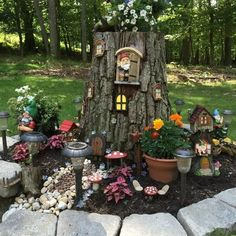 DIY Magical Tree Stump Fairy Garden Ideas - Balcony Decoration Ideas in Every Un. - DIY Magical Tree Stump Fairy Garden Ideas – Balcony Decoration Ideas in Every Unique Detail - Large Fairy Garden, Fairy Garden Houses, Gnome Garden, Fairy Tree Houses, Fairy Village, Fairies Garden, Garden Crafts, Garden Projects, Garden Art