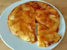 no-Bake Apple Upside Down Cake with this delicious and easy recipe. Whether your oven is on the blink, you never had one in the first place or you. Apple Recipes, Sweet Recipes, Snack Recipes, Dessert Recipes, Cooking Recipes, Snacks, Pie Cake, Baked Apples, Kitchen Recipes