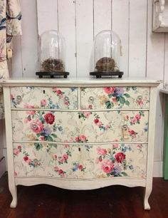 Lovely old chest of drawers with rose patterned frontage.  http://eyefordesignlfd.blogspot.co.za/2014/01/decorating-vintage-cottage-style.html
