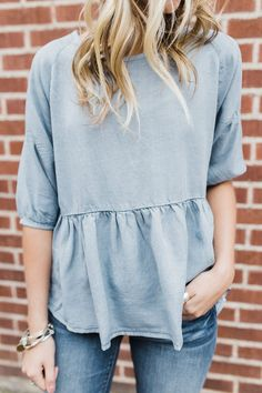Absolutely LOVE this top. I really like babydoll tops. Spring Summer Fashion, Spring Outfits, Inspiration Mode, Outfit Goals, Mom Style, Get Dressed, Passion For Fashion, Dress To Impress, What To Wear