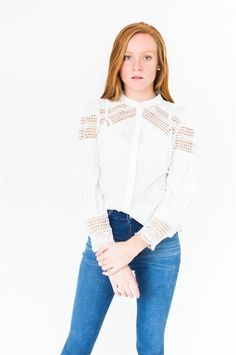 CAMISA EN VOILE TRIPLE CON COMBINACION DE ENCAJE DE ALGODON, MANGA GLOBO COLECCION FW18 SOR JUANA Bell Sleeves, Bell Sleeve Top, Outfits, Women, Fashion, Lace, Fall Winter, Shirts, Outfit
