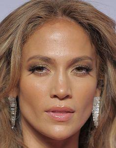 #JenniferLopez #JLo #makeup #beauty #face #celeb #fakelashes