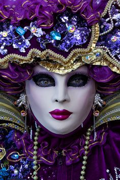 21724 - ID: 12825443 © Jim Zuckerman carnival venice masquerade mask masks Purple Love, All Things Purple, Shades Of Purple, Bright Purple, Venetian Carnival Masks, Carnival Of Venice, Venetian Costumes, Venice Carnival Costumes, Mardi Gras