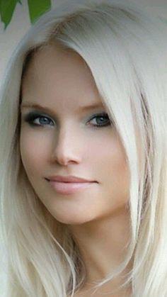 Miradas Beauté Blonde, Blonde Women, Blonde Beauty, Hair Beauty, Most Beautiful Faces, Stunning Eyes, Gorgeous Women, Gorgeous Blonde, Interesting Faces