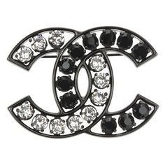 Chanel Pre-Owned 15v Gunmetal Swarovski Crystal Large Cc Brooch ($1,165) ❤ liked on Polyvore featuring jewelry, brooches, gunmetal, preowned jewelry, swarovski crystals jewelry, chanel broach, chanel and gunmetal jewelry