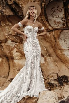 Boho Wedding Dresses Of Your Dream ★ boho wedding dresses sweetheart strapless neckline lace ranch lovers society Wedding Dress Arms, Indie Wedding Dress, Sweetheart Wedding Dress, Lace Mermaid Wedding Dress, Bohemian Wedding Dresses, Dress Lace, Bohemian Weddings, Bridal Gowns, Wedding Gowns