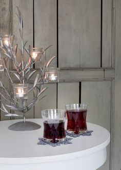 Designed by Lasse Kovanen, Sydän (Heart) glass is decorated with a sweet decal decoration. 30 cl in volume, this glass is machine-washable. It can also be used as a candle glass with Spiraali tealight holder. Candle Lanterns, Candles, Christmas 2017, Tea Light Holder, Punch Bowls, Tea Lights, Tea Time, Glass, Design
