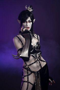 dark_eldar_cosplay_by_urbanballerinaesq-d7w8zjb.jpg (534×800)