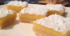 Carrés au citron. Délicieux carrés fondants au citron à déguster avec le café.. La recette par Patsyphice.