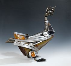 James Corbett, also known as The Car Part Sculptor, creates some of the most original pieces of steampunk art using car parts Steampunk Shop, Steampunk Accessoires, Steampunk Design, Car Part Art, Steampunk Animals, Scrap Car, Old Car Parts, Truck Parts, Metal Artwork