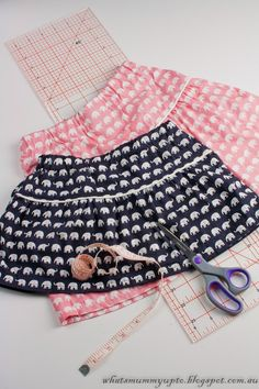 What's Mummy Up To ...: Tutorial - Elephant Skirt with Secret Pockets …Shh...