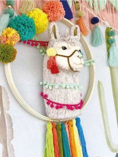 Take a peak at the cool party decorations at this Llama Birthday Party! See mor… - Party Ideen 13th Birthday Parties, Birthday Party For Teens, Teen Birthday, Girls 13th Birthday Ideas, Party Animals, Animal Party, Teenager Party, Party Fiesta, Llama Birthday