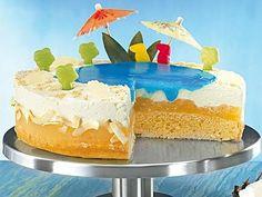 Vor allem für Kinder ein absolutes Highlight: die supercoole Swimmingpool-Torte!